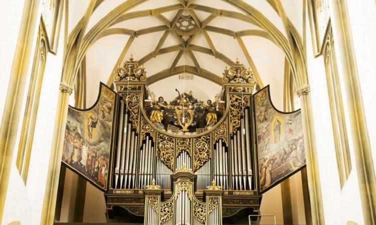 Nội thất cầu kỳ của Nhà thờ St. Ulrich và St. Afra