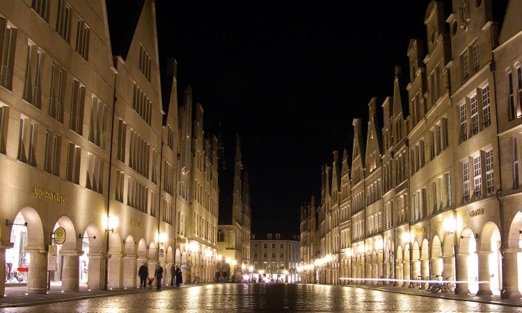 quảng trường Prinzipalmarkt lung linh ánh điện