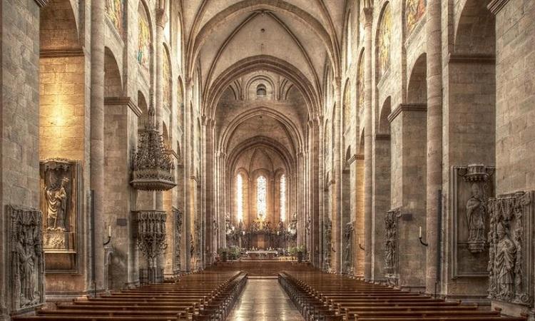 Thánh đường lớn trong nhà thờ Mainz