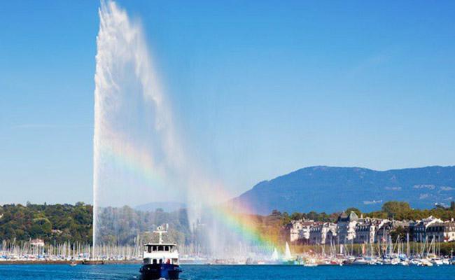 Đài phun nước Jet d'Eau - một trong những địa điểm du lịch tại geneva