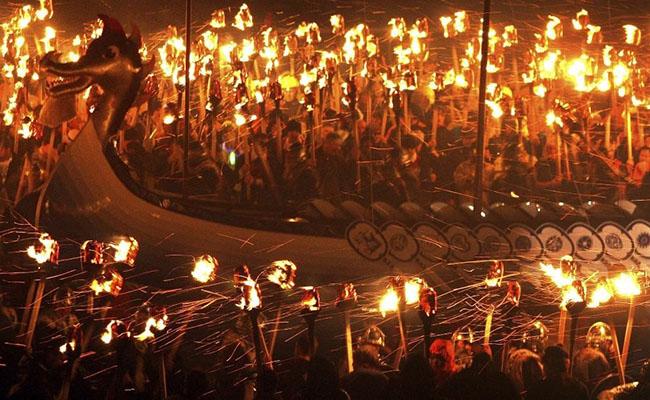 Lễ hội lửa ở Scotland