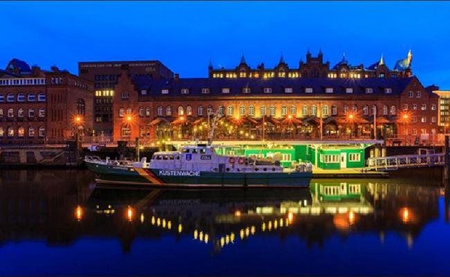 Hamburg được so sánh như là đối thủ của thủ đô Berlin, là thành phố cảng giàu có