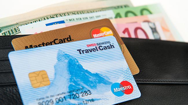 Thẻ ATM - tiền bạc là những vật dụng rất quan trọng