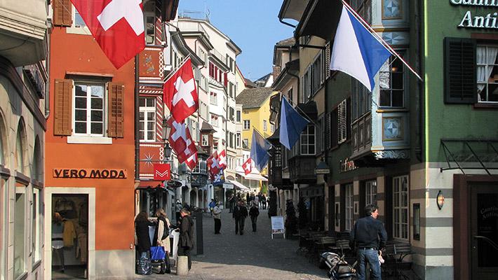 Những con phố nhiều cửa hàng mua sắm tại Zurich