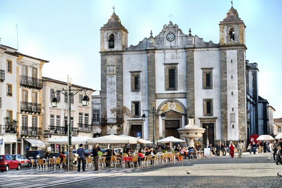 evora - thành phố đẹp nhất Bồ Đào Nha