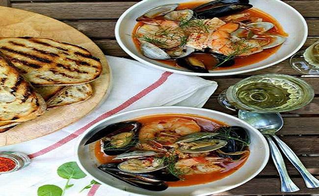 Súp hải sản kiểu Pháp (Bouillabaisse)