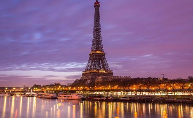 Thủ đô Paris – Tháp Eiffel